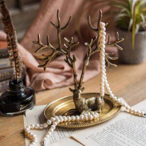 dekorativnaya podstavka s kryuchkami deer juhan 4