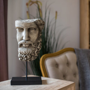 dekorativnaya statuetka legend juhan 5