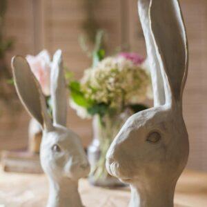dekorativnaya statuetka white rabbit juhan 4