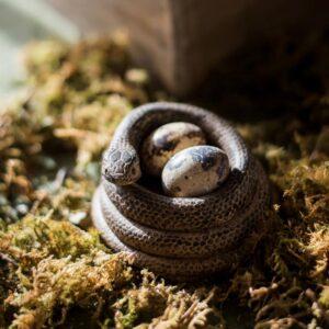 dekorativnyj podsvechnik snake juhan 1