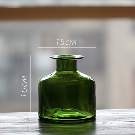 vaza steklyannaya green glass juhan 5
