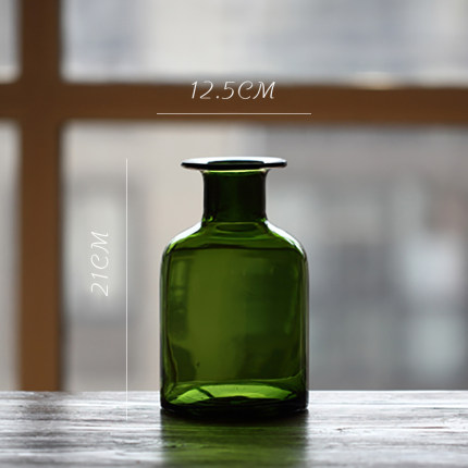 vaza steklyannaya green glass juhan 6